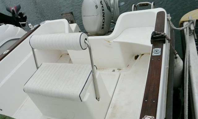 Vente-bateau-moteur-saint-cyprien-4