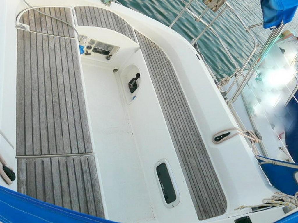 voilier oceanis 320 d'occasion st-cyprien