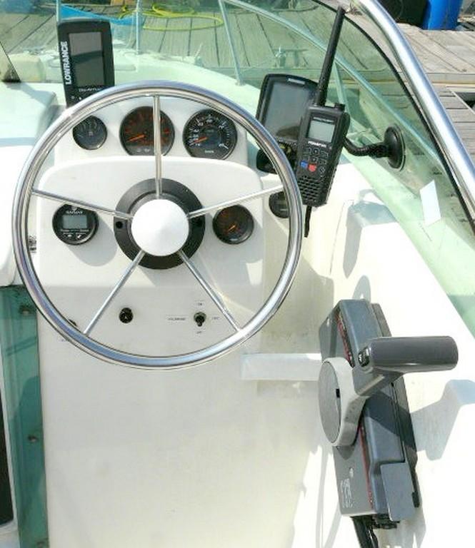 bateau moteur cap camarat 555 wa d'occasion sur st-cyprien